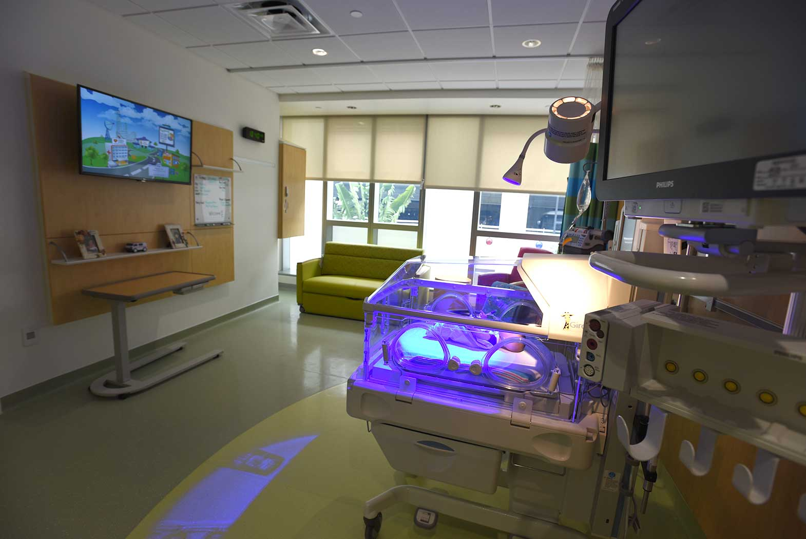 new pediatric pavilion offers advanced care plus comforts of home the new advanced pediatric care pavilion at nicklaus children s hospital in miami offers the latest medical technology and also emphasizes a homelike and